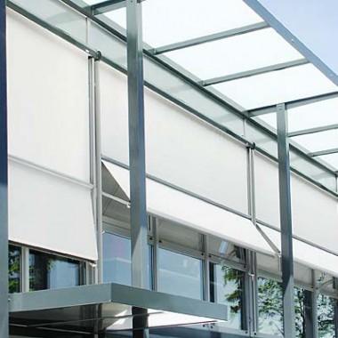 Punto Tenda Online tende da sole Modena. Vendita, produzione e montaggio di tende da sole in caduta verticale.