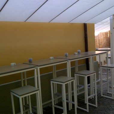 Punto Tenda Online Coperture Modena. Vendita, produzione e montaggio di coperture esterne per locali pubblici.